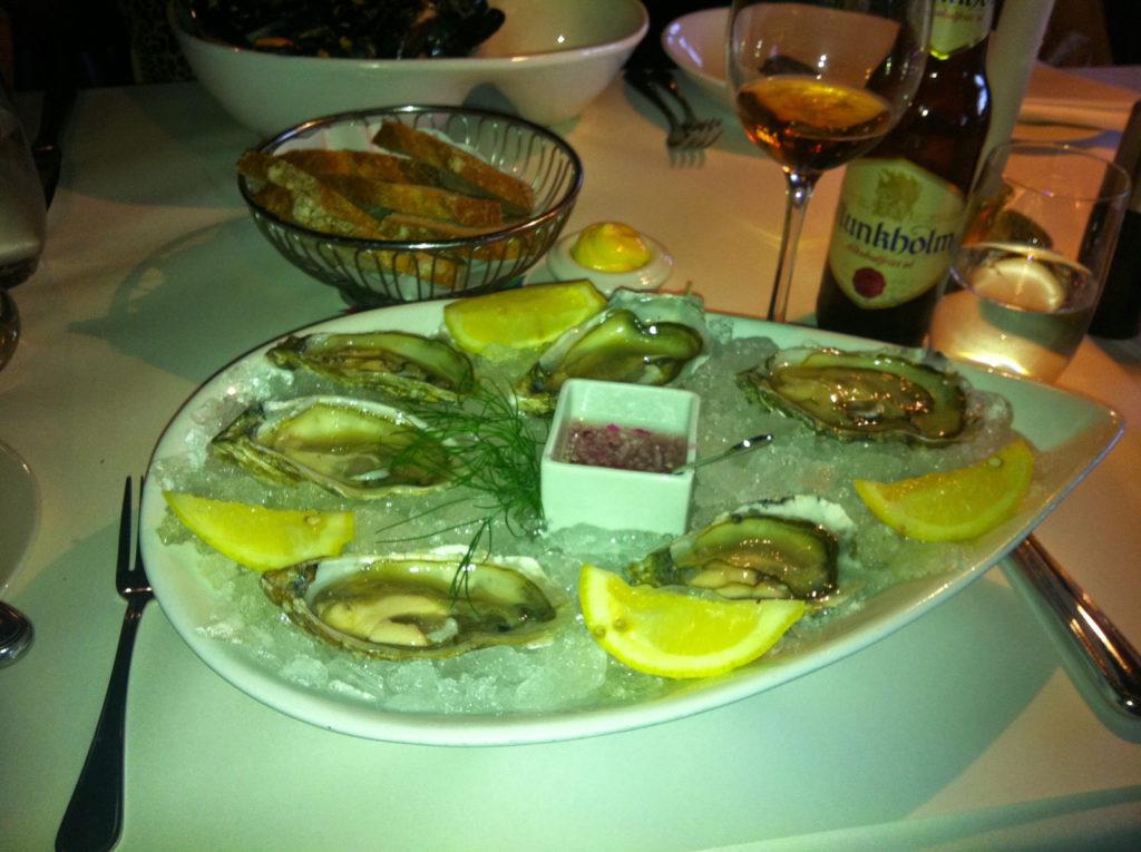 2011-Juli-Aker brygge restaurant-2