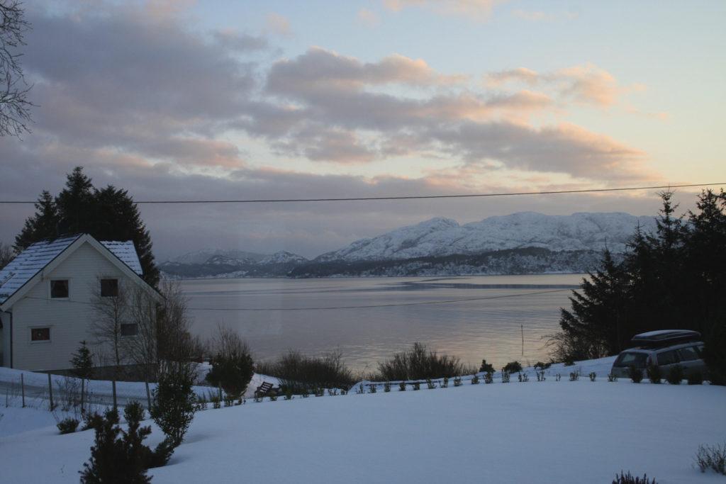 2012-Des-23 Snø på Mangersnes-1 kopi