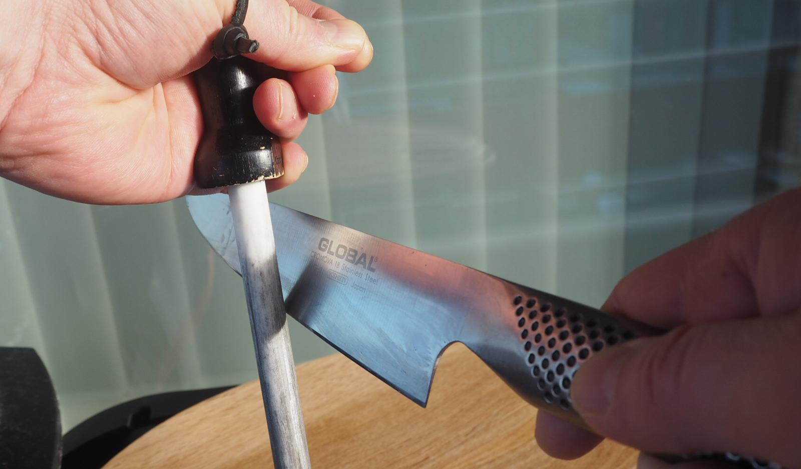Knivskjerping