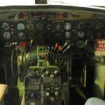 Convair CV-440 Metropolitan - Cockpit