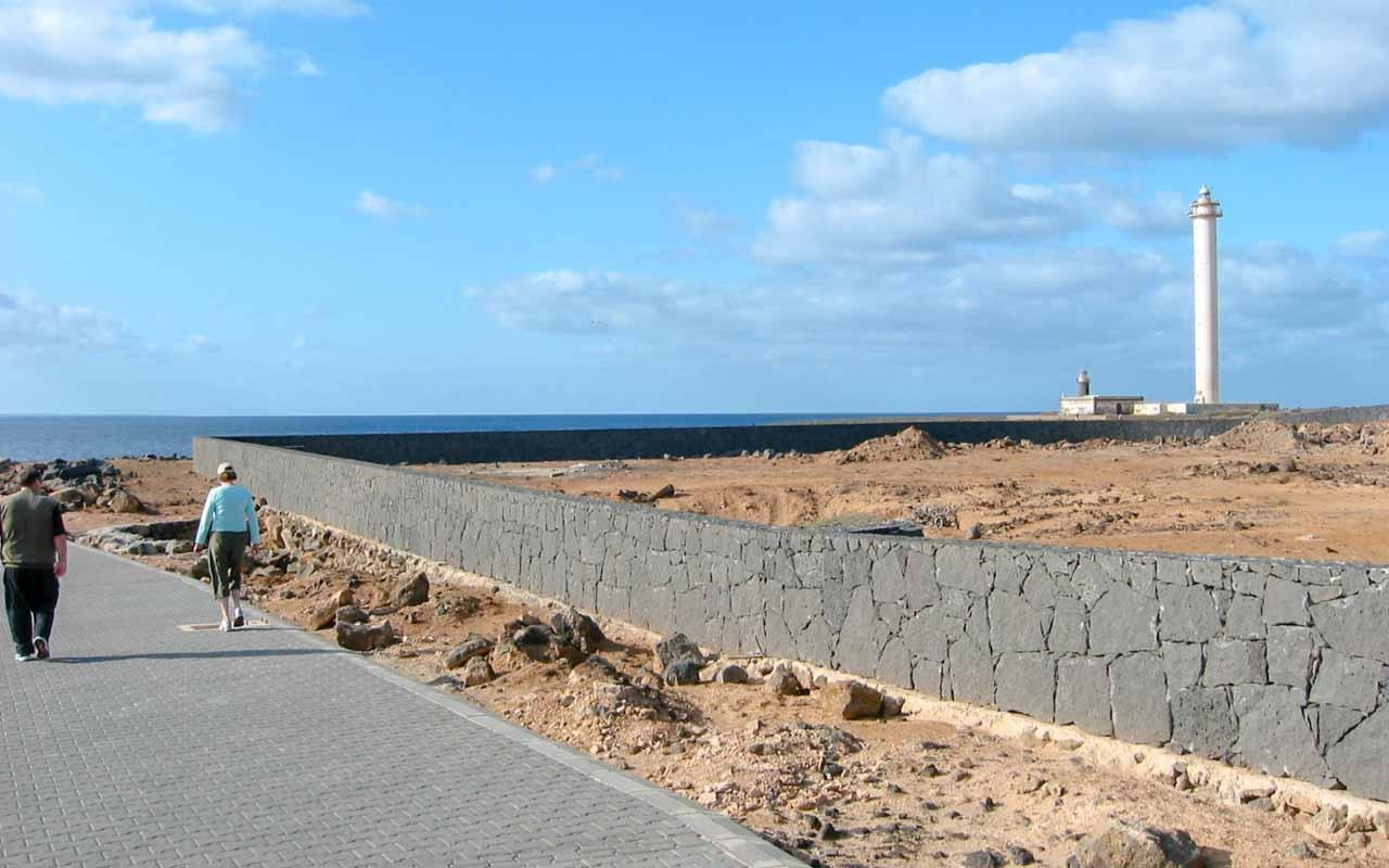 2006-Des-19 Lanzarote fyr-2